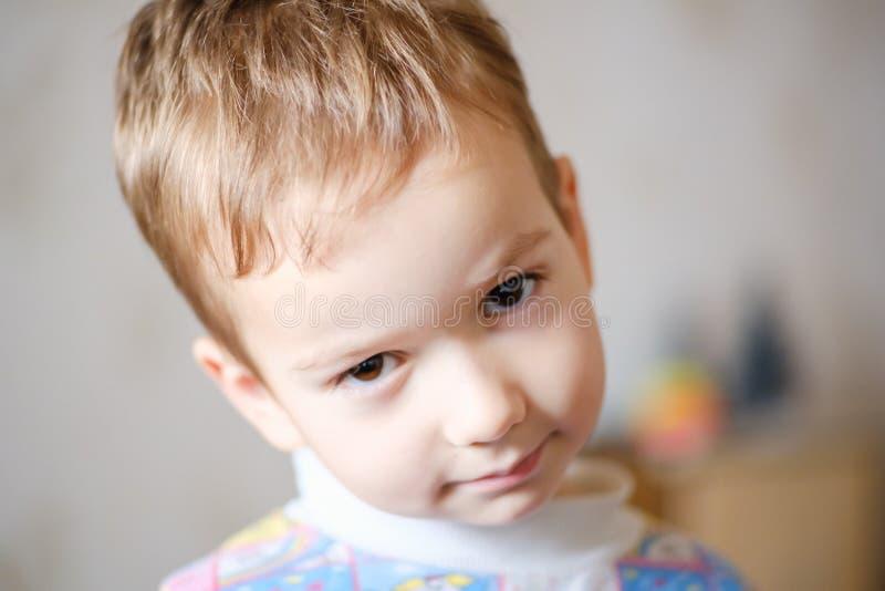 Infanzia del bambino del fronte del bambino del ragazzo Bello fotografie stock