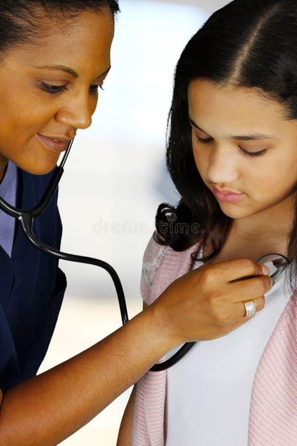 Infermiera e paziente fotografie stock libere da diritti