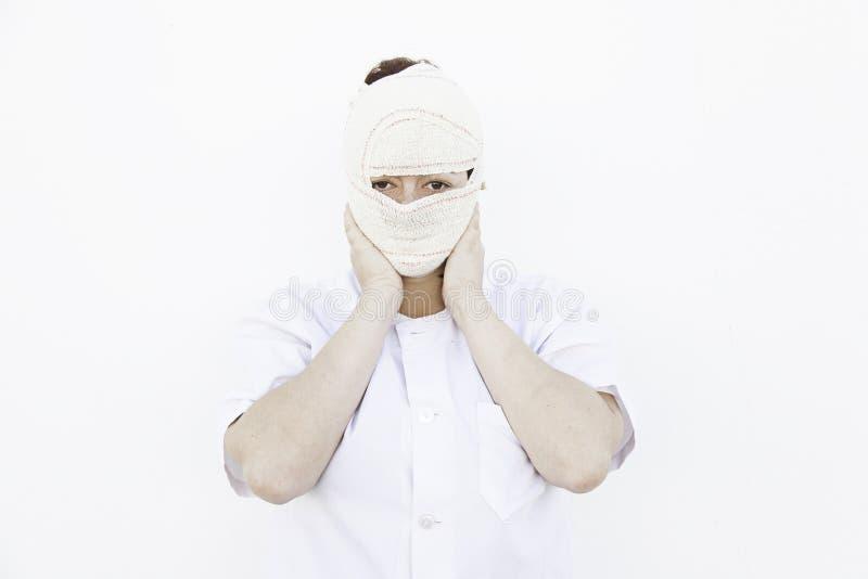 Infermiere della ragazza bendato fotografie stock libere da diritti