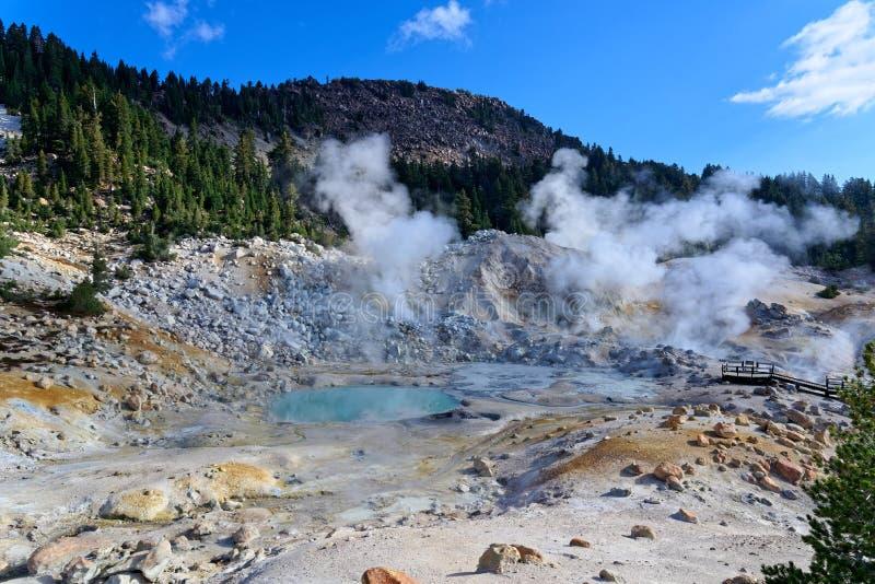 Inferno di Bumpass nel parco nazionale vulcanico di Lassen fotografia stock libera da diritti