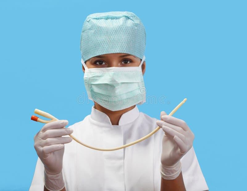 Infirmière féminine avec un cathéter urinaire photos libres de droits