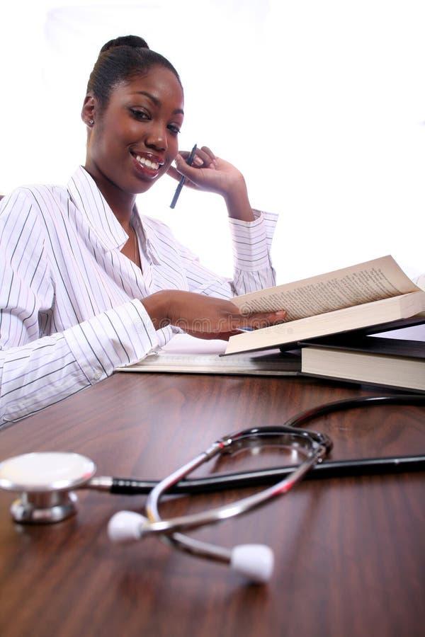 Infirmière ou étudiant image stock