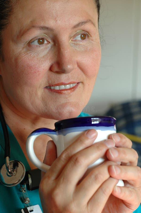 Infirmière sur la pause-café photos libres de droits