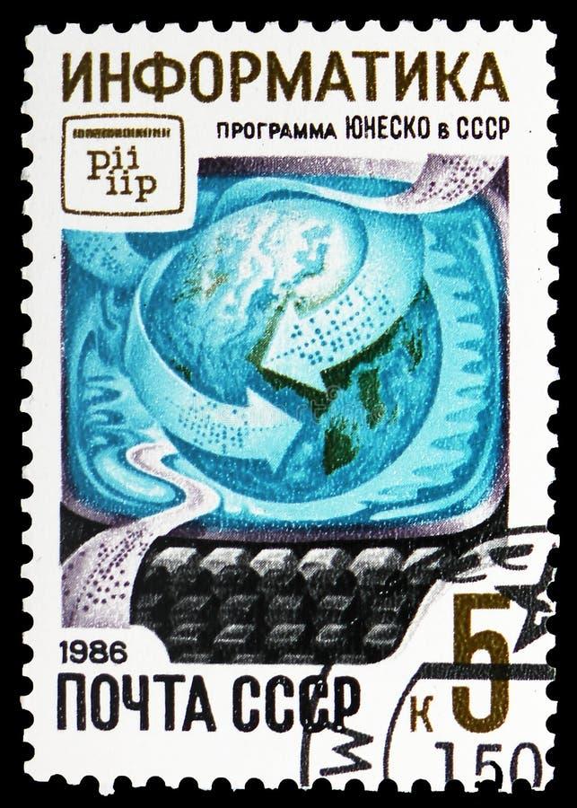 Informatic: jordklot, stansat band och tangentbord, UNESCOprogram i USSR-serie, circa 1986 arkivbild