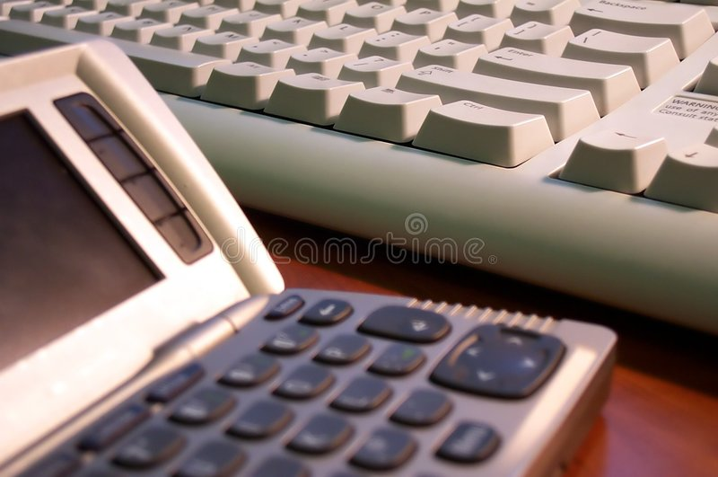Informatieverspreider en toetsenbord stock foto