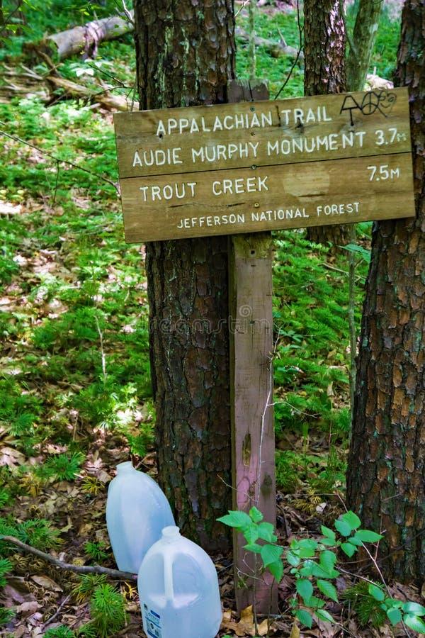 Informational znak na Appalachian śladzie w Południowo-zachodni Virginia -2 zdjęcie stock