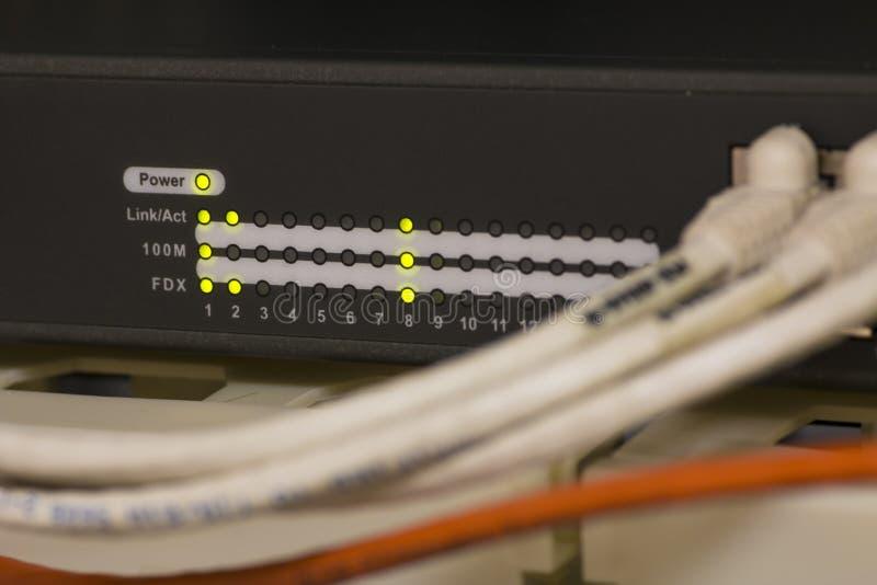 Informationstechnologie-Computernetzwerk, Telekommunikations-Ethernet-Kabel lizenzfreies stockbild