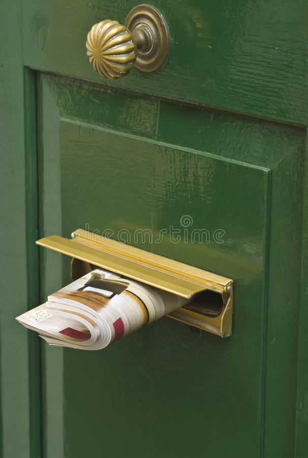 Informe de noticias de la mañana entregado a su puerta imagen de archivo libre de regalías
