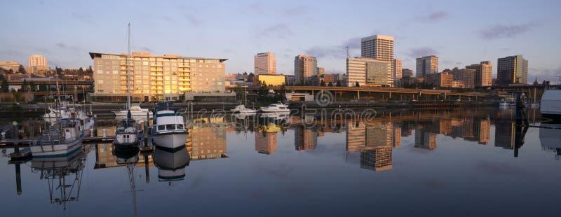 Infraestrutura Thea Foss Waterway Tacoma Washi do viaduto das construções imagem de stock royalty free