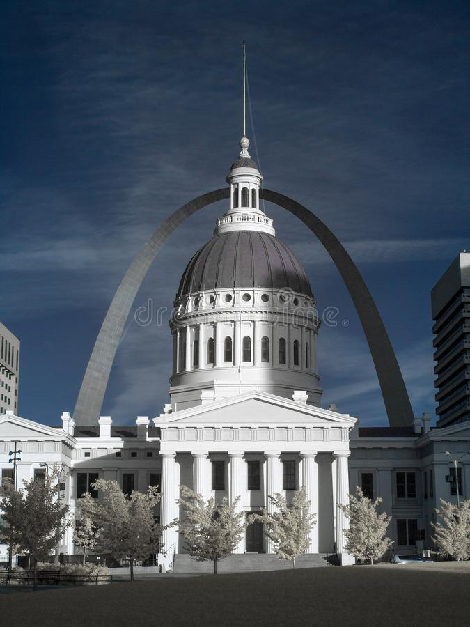 Old Courthouse and Gateway Arch. St. Louis, MO stock image