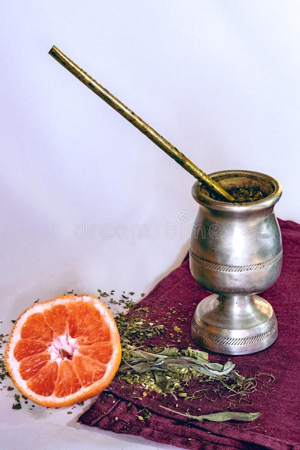 Infusion 'der Yerba-Kamerad'Infusion mit Pampelmuse stockbild