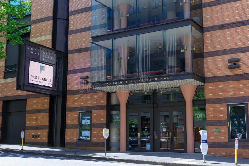 Ingång av den antoinette hatfieldkorridoren i Portland, Oregon, USA arkivbild