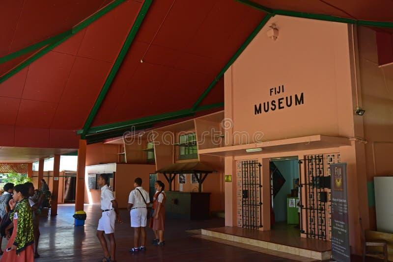 Ingång av det fijianska museet på Suva royaltyfri foto