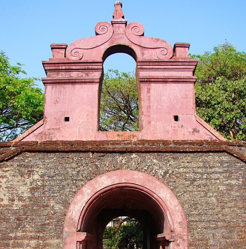 Ingång av det Tellicherry fortet, Kannur, Kerala, Indien arkivfoton