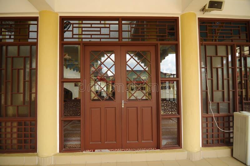 Ingång av Masjid Jubli Perak Sultan Ismail Petra a K A Masjid Peking fotografering för bildbyråer
