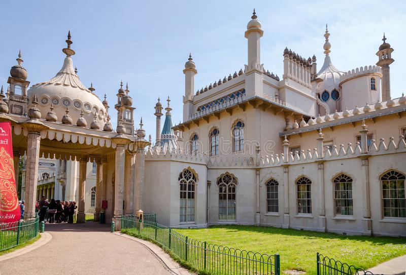 Ingång Brighton East Sussex Southern England UK för kunglig paviljong royaltyfria bilder