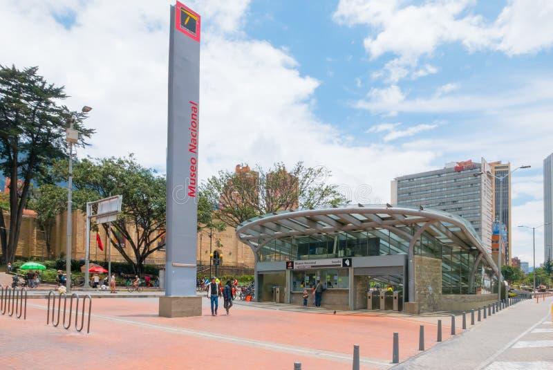 Ingång Colombia för nationellt museum för Bogota transmileniostation arkivfoton