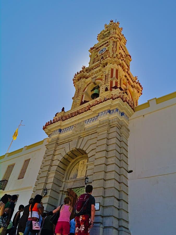 Ingång för kloster för folkar Panormitis royaltyfria bilder