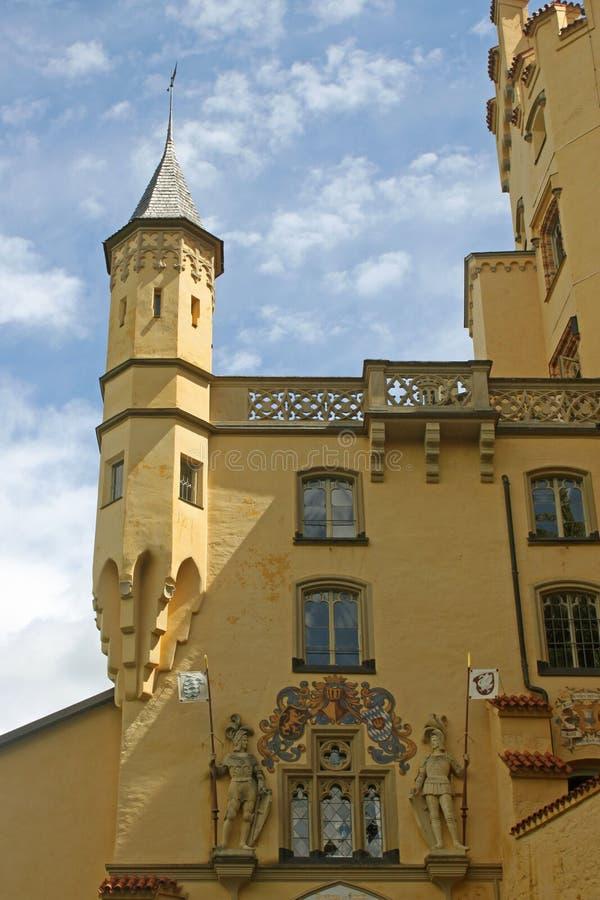 Ingång för riddare för Hohen Schwangau slott storslagen royaltyfri fotografi