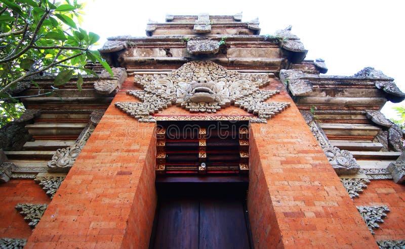 Ingång till den hinduiska templet royaltyfri foto