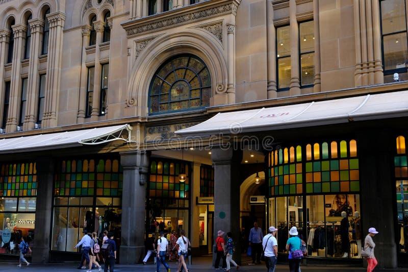 Ingång till den historiska drottningen Victoria Building, Sydney, Australien arkivbilder