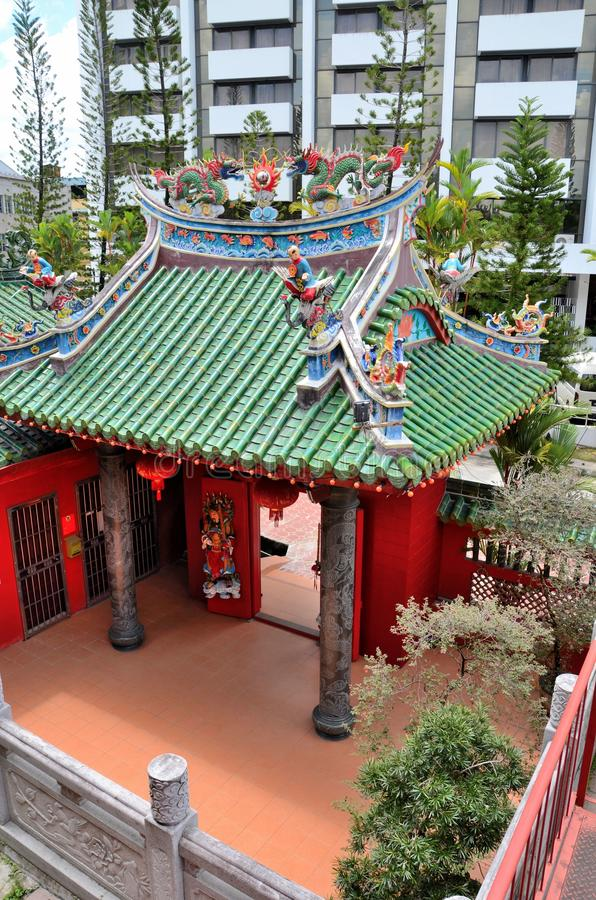Ingång till den historiska Tua Pek Kong Chinese templet Kuching Sarawak Malaysia fotografering för bildbyråer