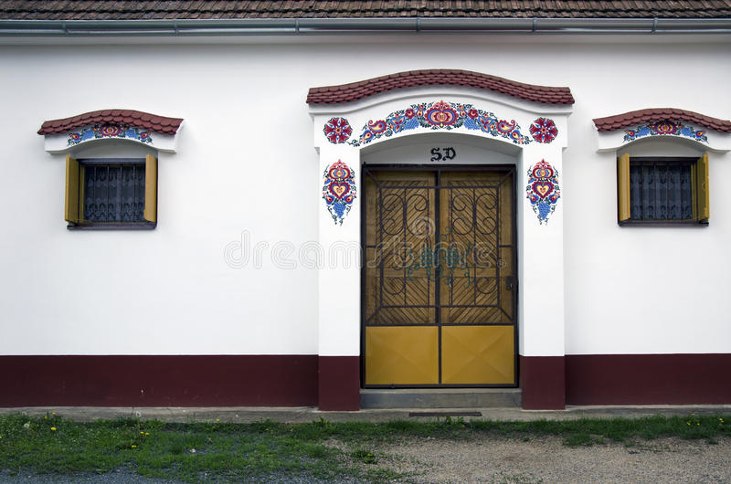Ingång till den moravian vinkällaren, Dolni Bojanovice arkivfoto