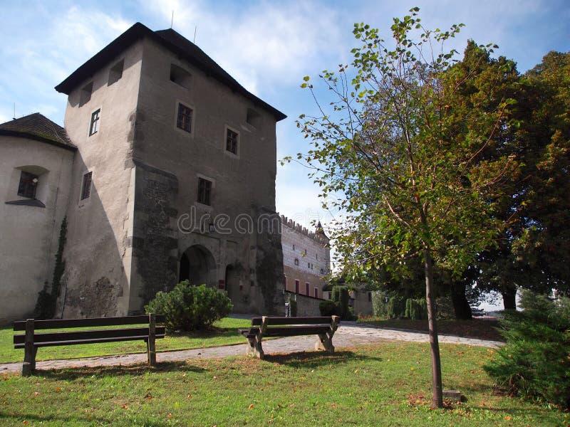 Ingång till den Zvolen slotten, Slovakien royaltyfria foton