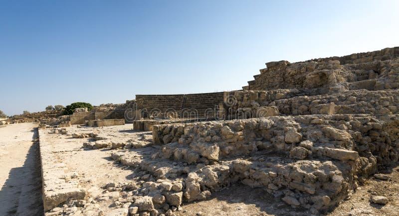 Ingång till rest av den Paphos Odeon amfiteatern fotografering för bildbyråer