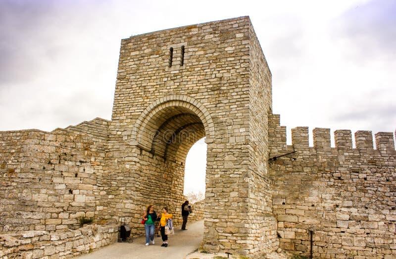Ingången av den uddeKaliakra fästningen arkivbild