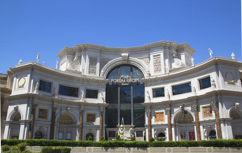 Ingången till forumet shoppar på det Caesars PalaceLas Vegas hotellet & kasinot royaltyfri fotografi