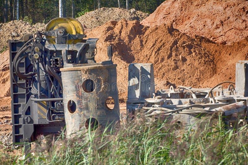 Ingénierie de route ; roadmaking La procédure d'excavation, attaquent d photo stock