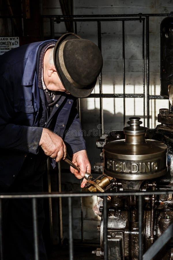 Ingénieur au musée victorien de colline de Blists photos stock