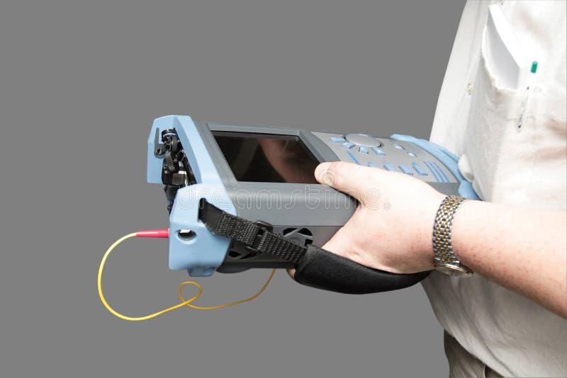 Ingénieur avec le réflectomètre photos libres de droits