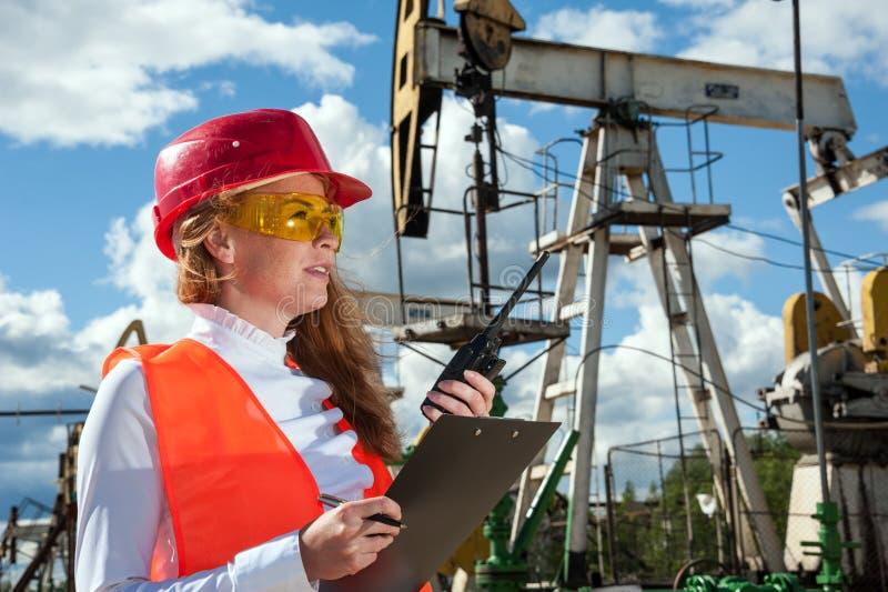 Ingénieur d'huile et d'industrie du gaz images libres de droits