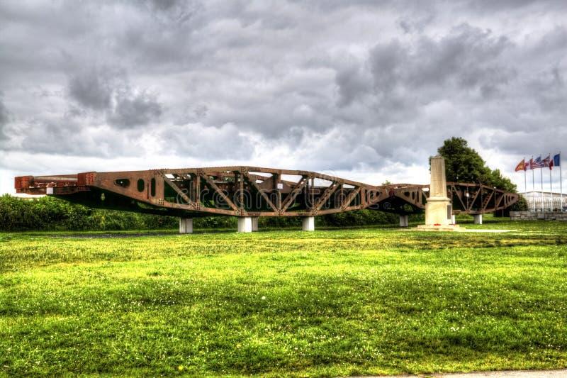 Ingénieurs royaux commémoratifs dans Arromanches-les-Bains, France, Normandie Un des endroits du jour J d'atterrissage de la deux photo libre de droits