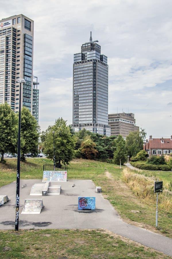 ING-byggnaden eller det Rembrandt tornet och det Mondrian tornet på Amsterdam Nederländerna 2018 royaltyfri fotografi
