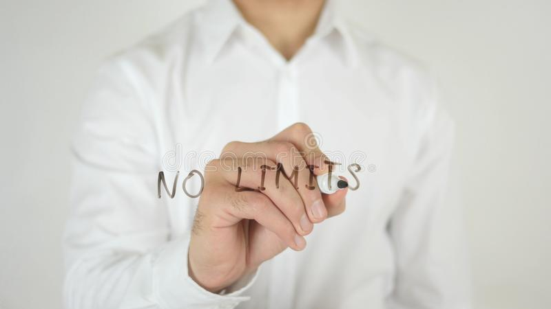 Inga gränser som är skriftliga på exponeringsglas royaltyfri fotografi