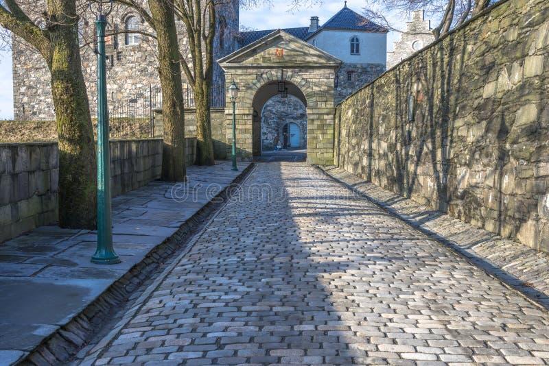 Ingang aan Bergenhus-vesting in Bergen stock foto's