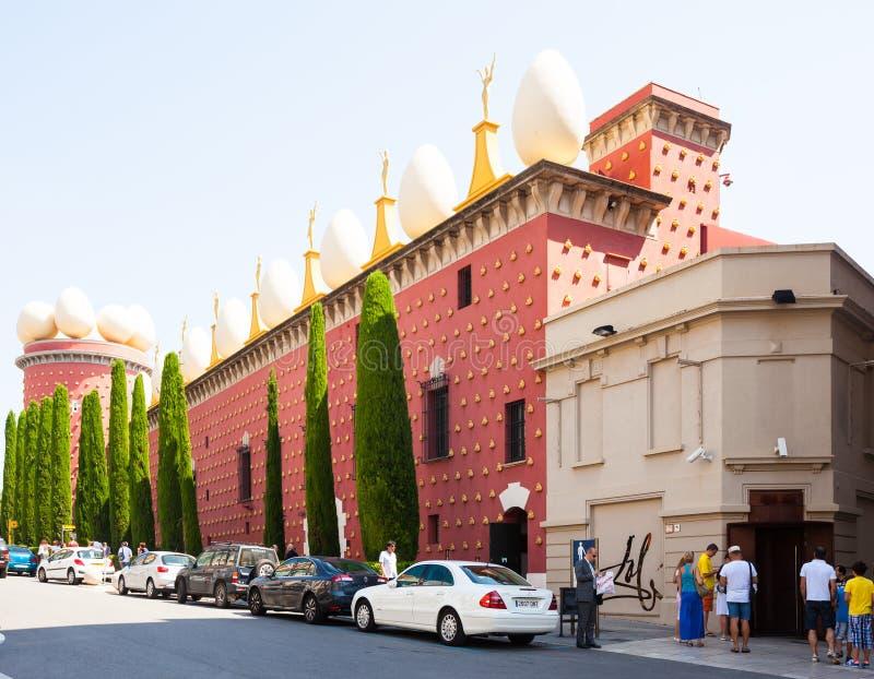 Ingang aan Dali Theatre en Museum in Figueres stock afbeelding
