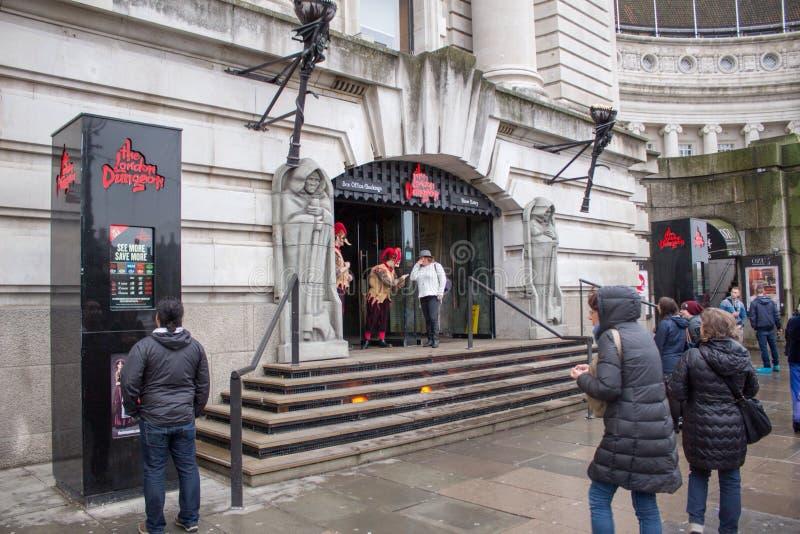 Ingang aan de kerkermuseum van Londen stock foto