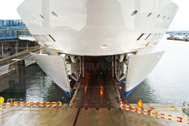 Ingang aan de veerboot stock foto