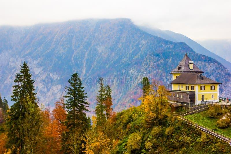 Ingang aan de zoutmijn in Hallstatt, Oostenrijk royalty-vrije stock foto