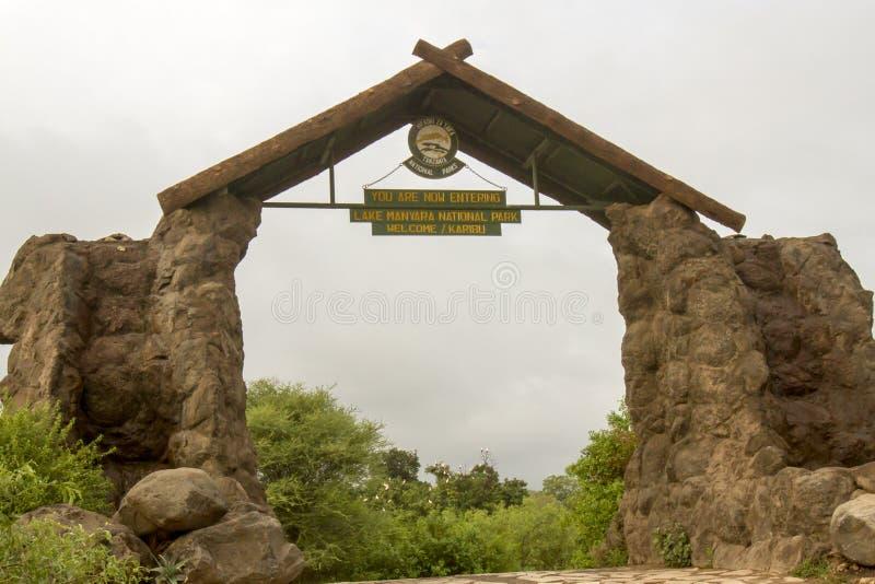 Ingang aan het Nationale Park van Meermanyara, Tanzaniz royalty-vrije stock afbeelding