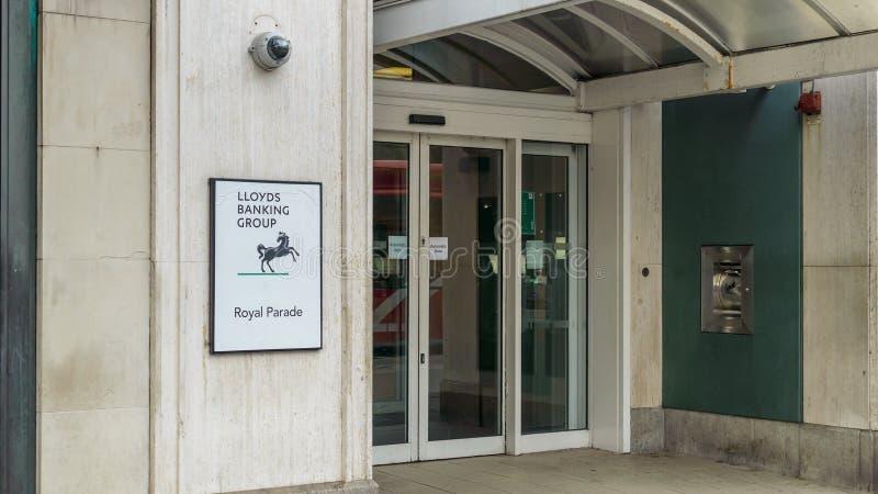 Ingang aan Lloyds-Bank op Koninklijke Parade Plymouth royalty-vrije stock afbeelding