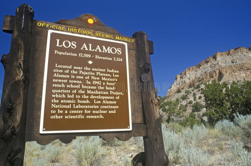 Ingang aan Los Alamos, NM stock afbeeldingen