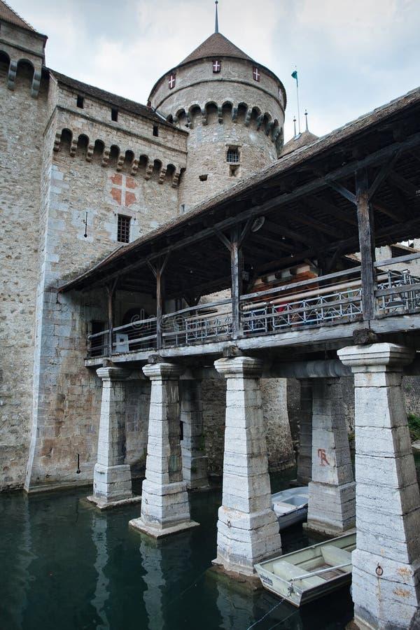 Ingang aan Middeleeuws Kasteel in Montreux, Zwitserland stock fotografie