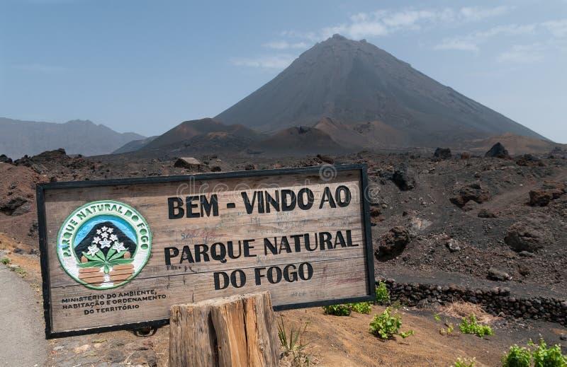 Ingang aan Parque Natural Do Fogo vulkanische krater, Fogo-Eiland, Kaapverdië stock foto's