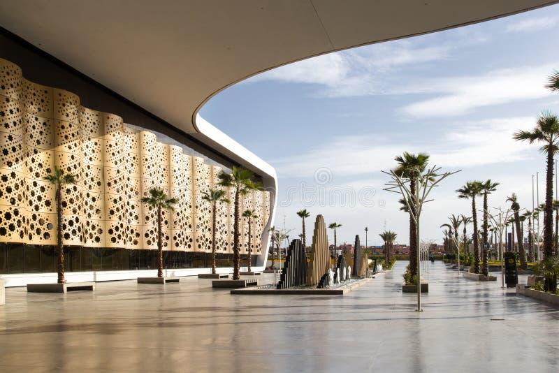 Ingang aan vertrek bij de Internationale Menara Luchthaven van Marrakech marokko royalty-vrije stock afbeeldingen