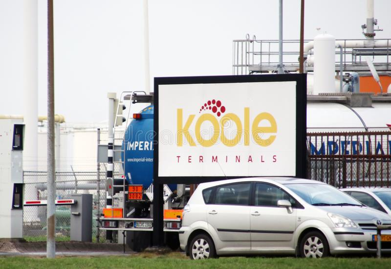 Ingang de Koole-installatie bij de Botlek-haven in de haven van Rotterdam stock foto's